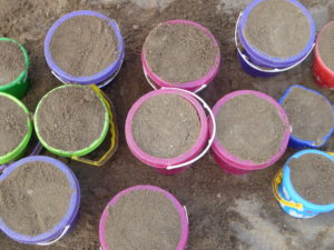 Eimer mit Sand