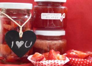 Erdbeermarmelade als Gastgeschenk