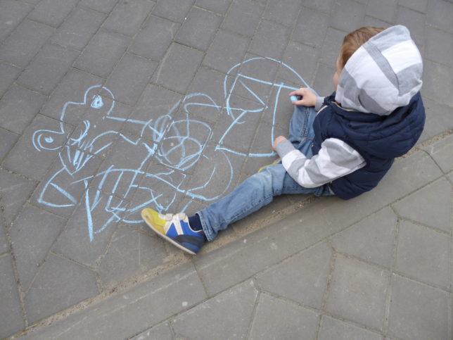 Kreidezeichnung Kind