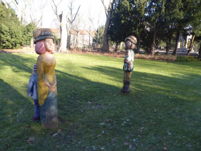 Schulenburg Park Neukölln mit Märchenfiguren