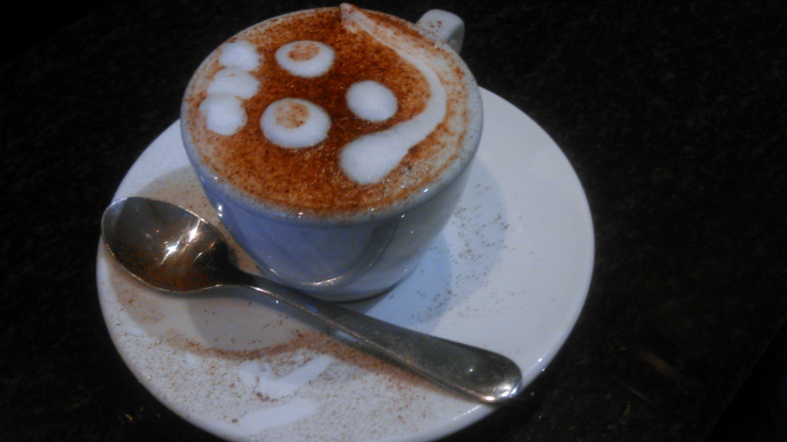 Cappuccino mit der Hauptstadttochter