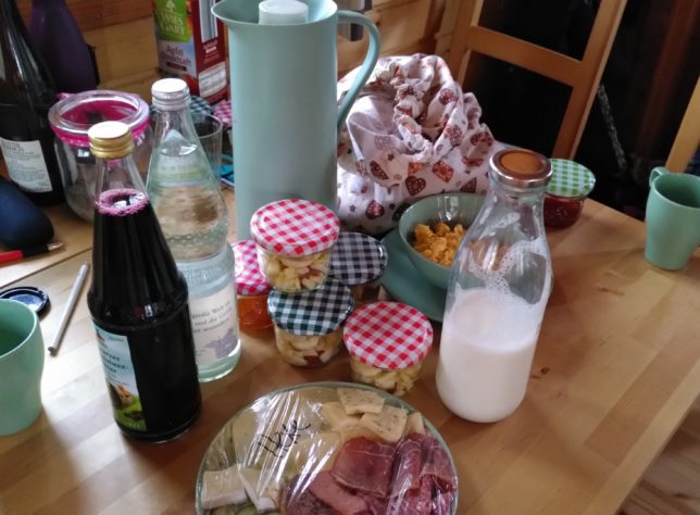 Übernachten im Baumhaus: Frühstück